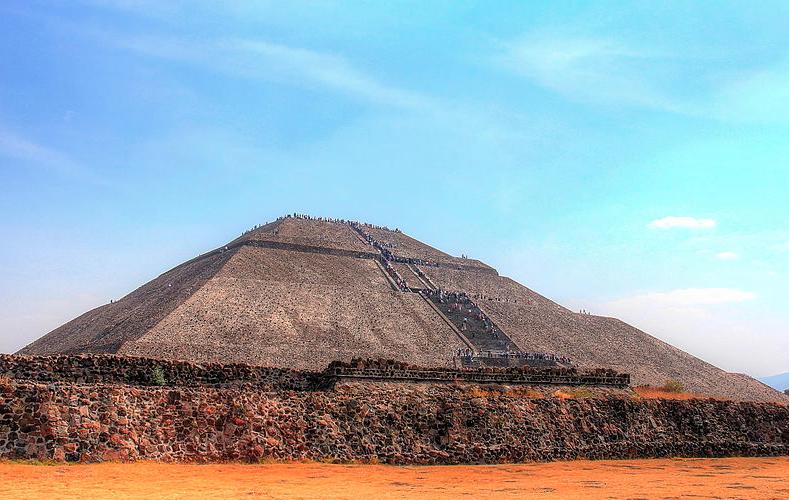 La Pirámide del Sol mexicana podría colapsarse, 169 nuevas especies halladas en los último 4 años en Brasil, y fósiles cuentan de clima antiguo en Paraguay.
